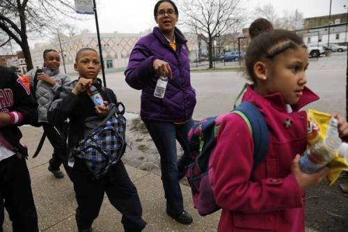 chicago_schools_closing_protest4