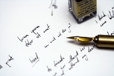 fountain-pen-writing