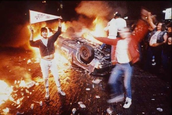 Whites rioting 1 after World Series game