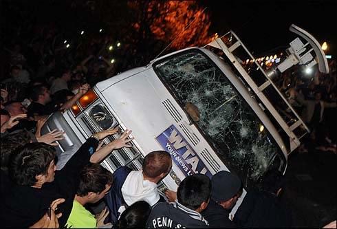 Whites rioting 1